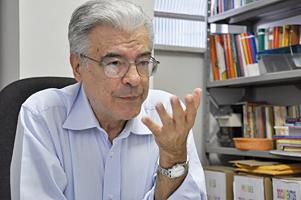 Medicina Social e Saúde Coletiva: Nelson Ibañez entrevista Hésio Cordeiro
