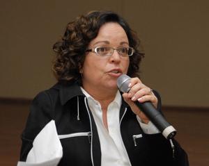 Lenaura Lobato comenta as divergências em torno da prorrogação do auxílio emergencial