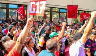Movimentos protestam em secretarias de Saúde de São Paulo