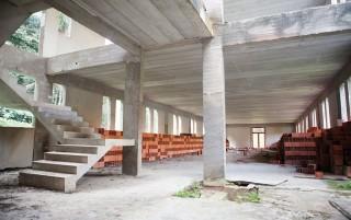 Edifício para abrigar novos laboratórios teve verba federal, mas não foi concluído pelo governo de São Paulo: desperdício e má gestão. (raoni maddalena/rba)