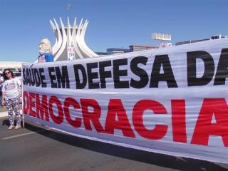 Frente Democracia e Saúde: Porque democracia é questão de saúde!