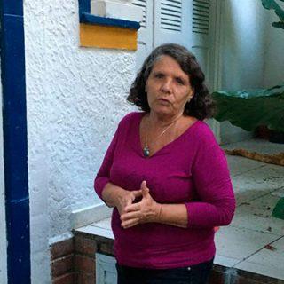"Entrevista de Lúcia Souto sobre a pandemia da covid-19: ""Saúde e democracia precisam andar juntas"""