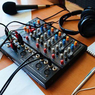 Lista de referência de Rádios Comunitárias e Rádios-Poste